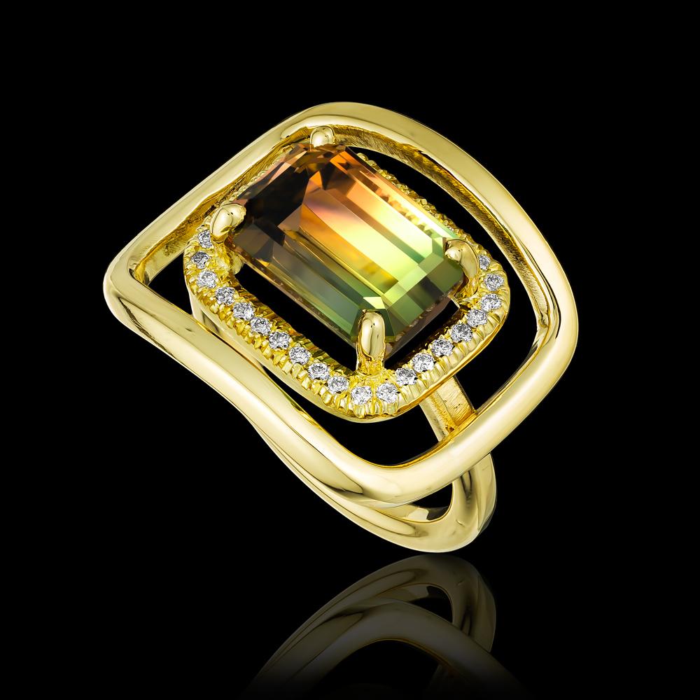 טבעת בזהב צהוב 18K משובצת טורמלין טריקולור ויהלומים