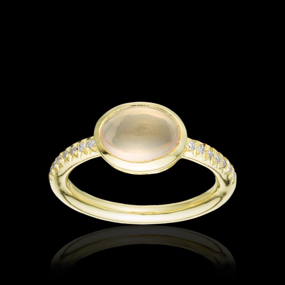 טבעת בזהב צהוב 14K משובצת רוז קוורץ ויהלומים