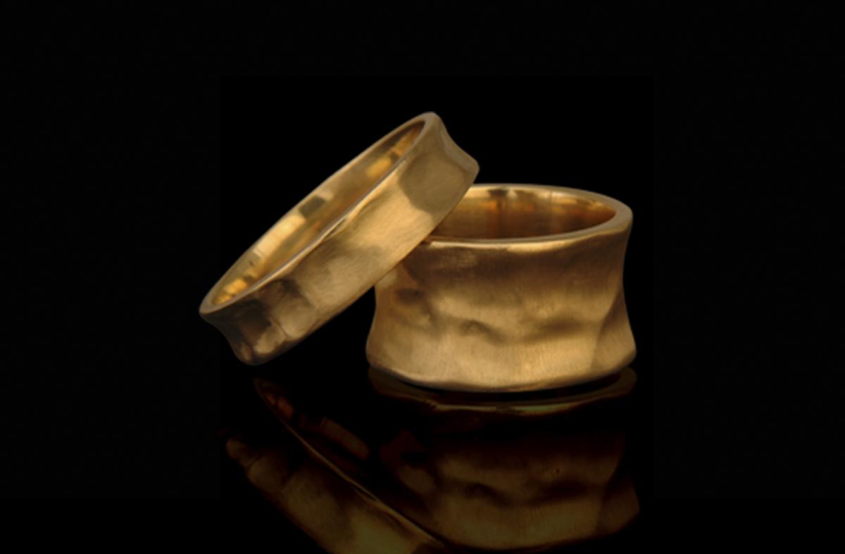 זוג טבעות נישואים בזהב צהוב 14K