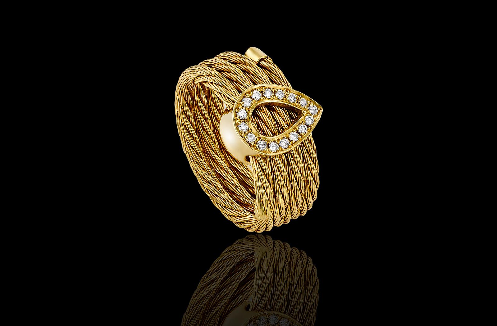 טבעת בזהב צהוב 18K המשלבת טיפת זהב שמשובצת יהלומים